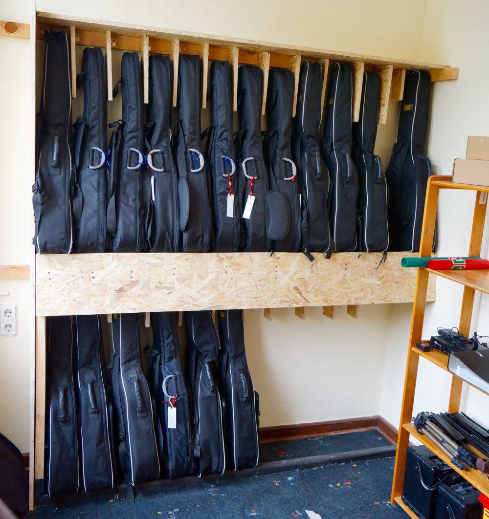 Bild 2 | Gitarren unterbringen auf engstem Raum